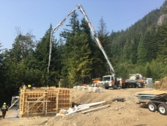 Gatehouse pouring concrete